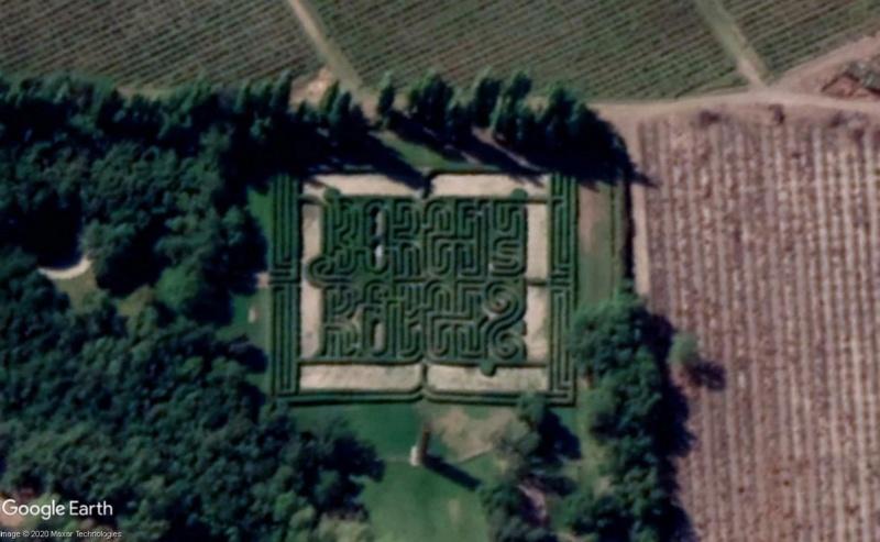 Les labyrinthes découverts dans Google Earth - Page 23 Labyri10