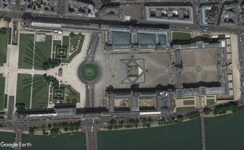 Lieux de tournage de vidéo-clip découverts avec Google Earth - Page 4 Louvre10