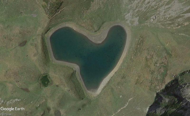 Les cœurs découverts dans Google Earth - Page 9 Montag11