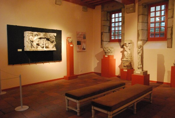 � la d�couverte de nos tr�sors d art et histoire - A la découverte de nos chefs d'œuvre d'art et d'histoire... - Page 6 Musee-10
