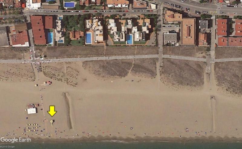 Lieux de tournage de vidéo-clip découverts avec Google Earth - Page 5 Plage110