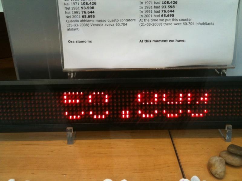 [STREET VIEW] Compteurs, horloges et compte-à-rebours Reside11