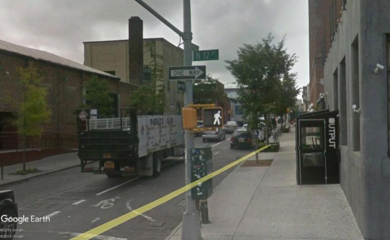 Lieux de tournage de vidéo-clip découverts avec Google Earth - Page 4 Rue310