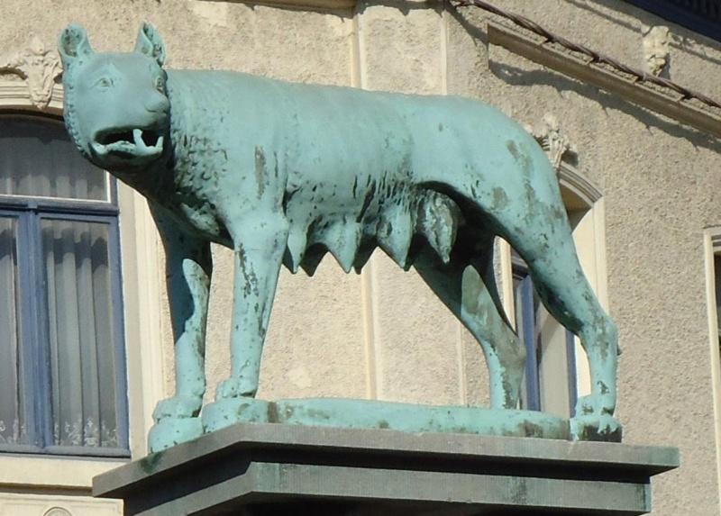 La Louvière - Belgique Statue15