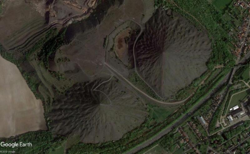 Lieux de tournage de vidéo-clip découverts avec Google Earth - Page 4 Terril11