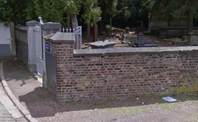 Street View: Les étrangetés du patrimoine wallon. - Page 3 Tombe10