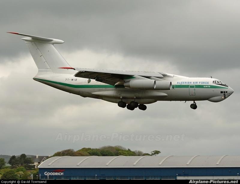 طائرة النقل والتزود بالوقود Il76/78 - صفحة 2 46576_12