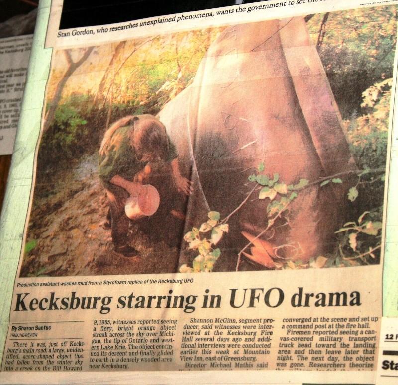 VISITED KECKSBURG! PICS OF REPLICA UFO, UFO STORE, CRASH SITE(METEOR ROAD) >>>> Kecksb16