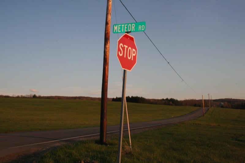 VISITED KECKSBURG! PICS OF REPLICA UFO, UFO STORE, CRASH SITE(METEOR ROAD) >>>> Kecksb17