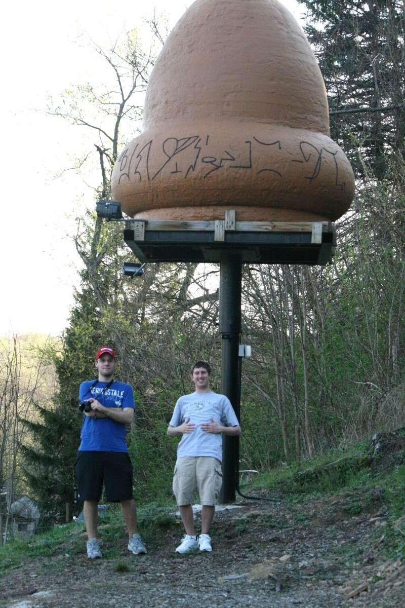VISITED KECKSBURG! PICS OF REPLICA UFO, UFO STORE, CRASH SITE(METEOR ROAD) >>>> Kecksb18