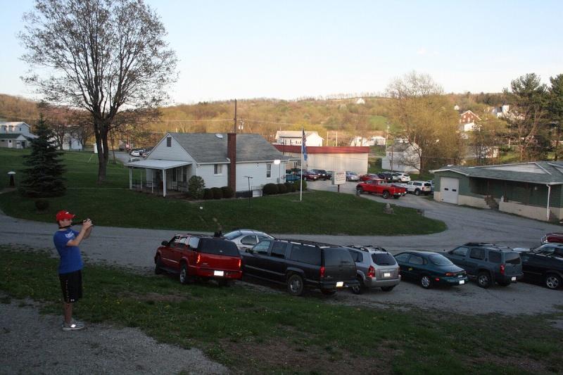 VISITED KECKSBURG! PICS OF REPLICA UFO, UFO STORE, CRASH SITE(METEOR ROAD) >>>> Kecksb19