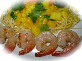 Brochettes de crevettes sur pâtes au cari pour deux de Messidor 5_crev10
