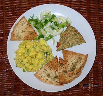 Salade de poulet au cari et pitas grillés aux épices Salade10