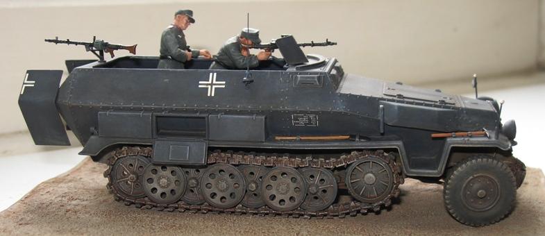 sd.kfz 251 ausf C Dragon 1/35 37837910