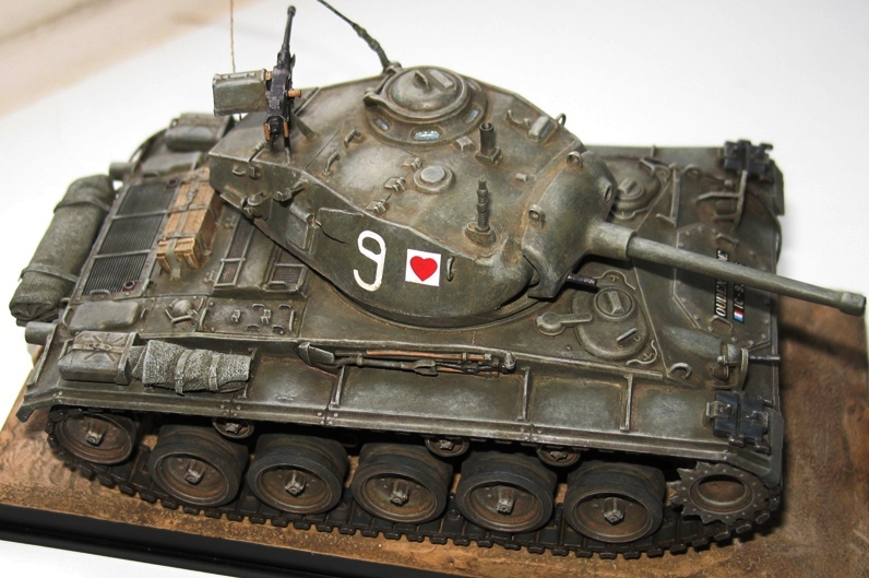 M24 Chaffee repatiné+décalques 65460210