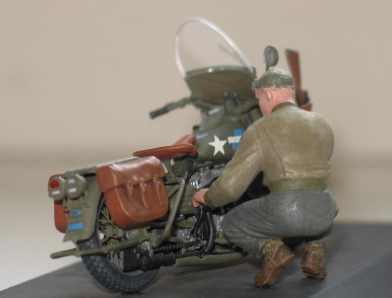 Harley US WW2 et ..... Bobber :P   Miniart 1/35 69009010