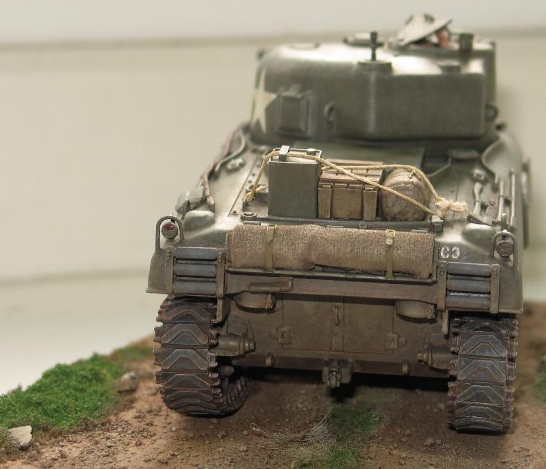 Sherman M4A1 late Italeri+scratch rénové Img_0016