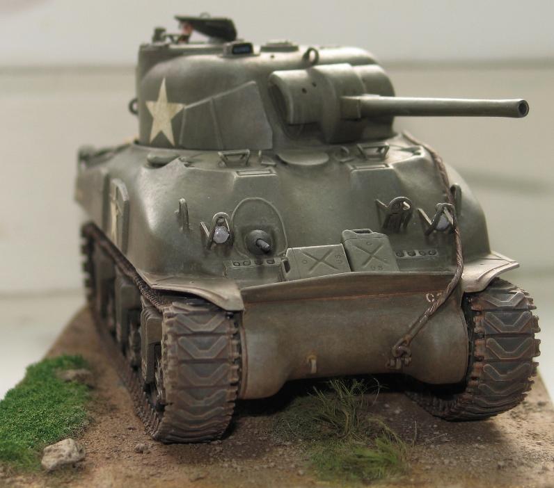 Sherman M4A1 late Italeri+scratch rénové Img_0018