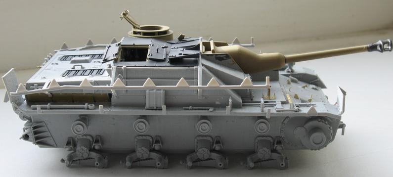 Stug IV avec zimmerit Dragon 1/35 Img_0026