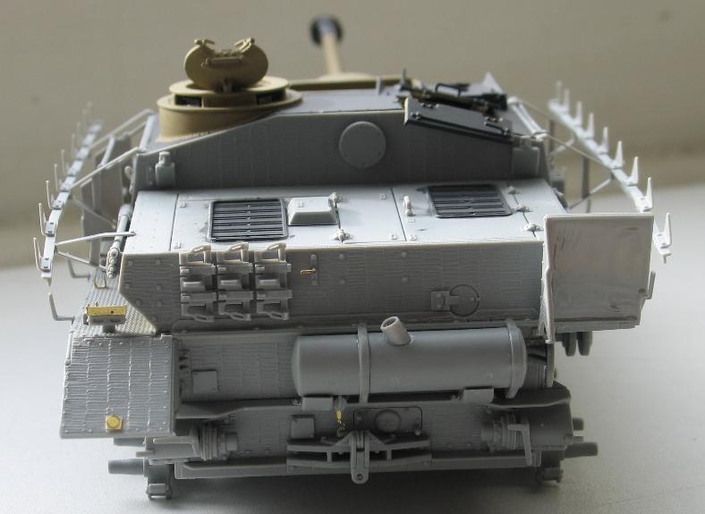 Stug IV avec zimmerit Dragon 1/35 Img_0027