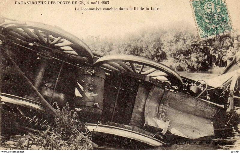 CPA Ponts et catastrophes angevines 1850, 1907, 1911 254_0010