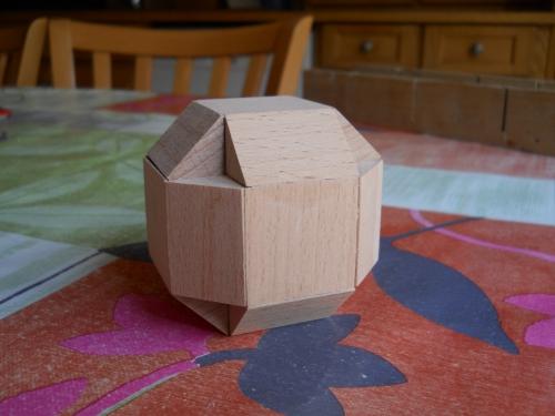 Construire des polyèdres en bois donc d'une certaine épaisseur Artfic10