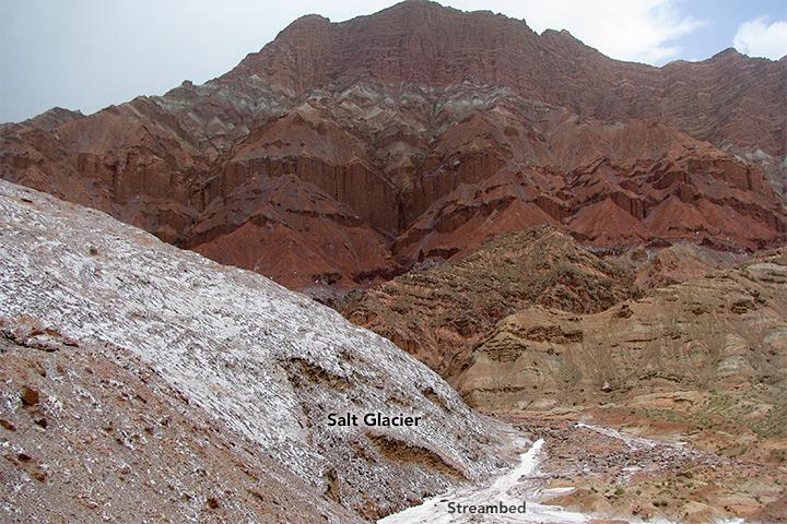 Glaciers de sel dans les montagnes Zagros d'Iran sortis du sol comme de la pâte dentifrice Awate_11