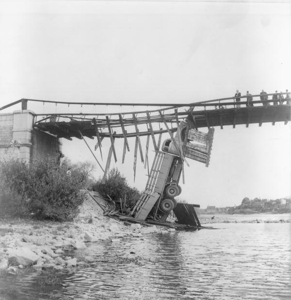 Enquête sur l'accident du pont suspendu de Châsse sur Rhône à Givors Chasse10
