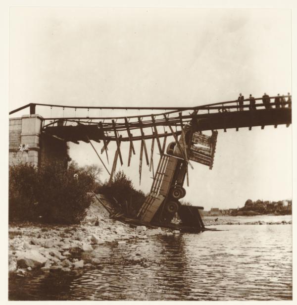 Enquête sur l'accident du pont suspendu de Châsse sur Rhône à Givors Chasse11