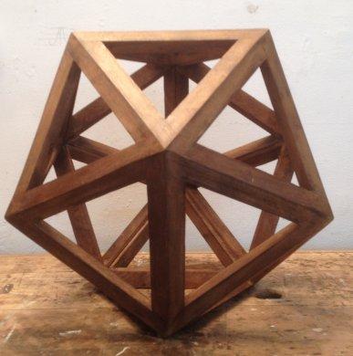 Construire des polyèdres en bois donc d'une certaine épaisseur Icosab10