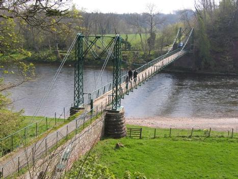 A la recherche de l'arche perdue : les ponts suspendus Imag2310