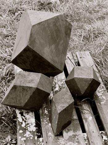 Construire des polyèdres en bois donc d'une certaine épaisseur Pol-0210