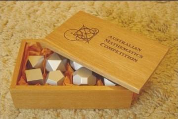 Construire des polyèdres en bois donc d'une certaine épaisseur Poly_s10