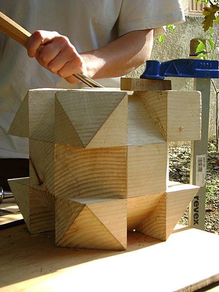 Construire des polyèdres en bois donc d'une certaine épaisseur Polyed10