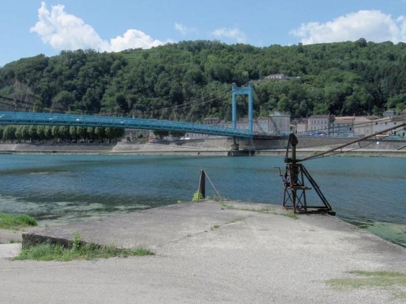 CPA avant les ponts suspendus de Marc Seguin, les bacs à traille Serrie11