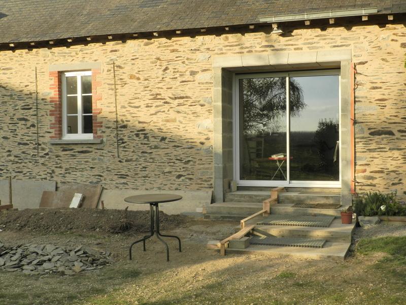 La nouvelle baie vitrée nous impose de créer une terrasse (en bois composite) Vauvyr29
