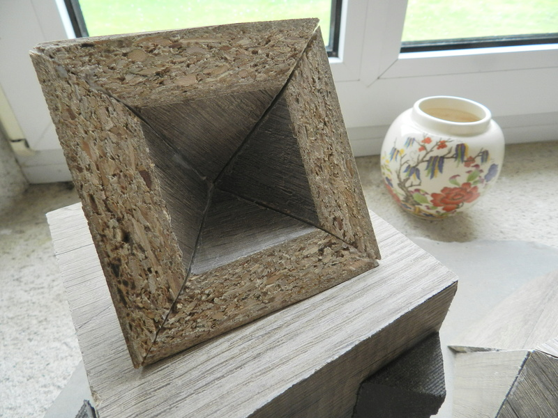 Construire des polyèdres en bois donc d'une certaine épaisseur Vauvyr37