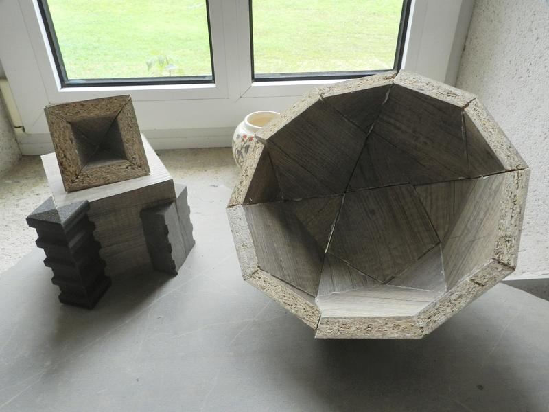Construire des polyèdres en bois donc d'une certaine épaisseur Vauvyr38