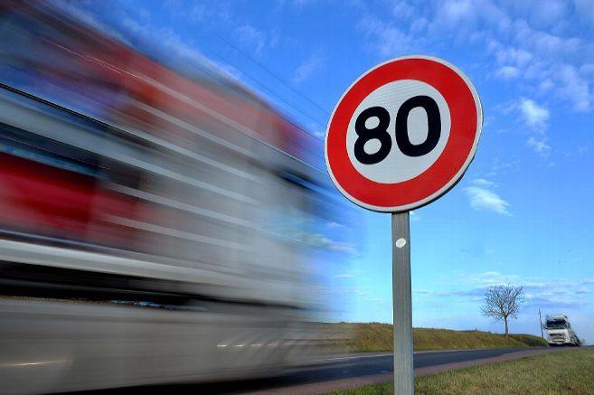Limitation de vitesse à 80km/h et poids lourds esclaves Vitess10