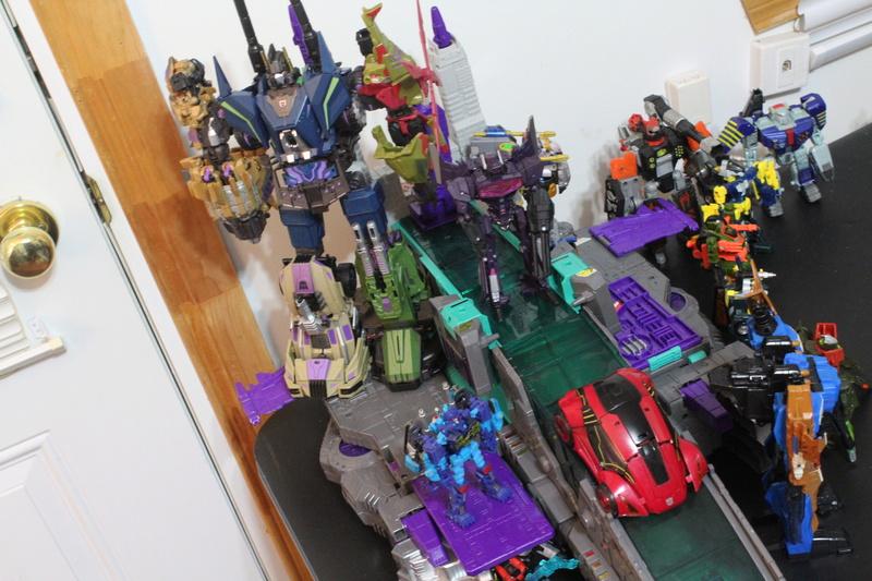 Guerres Transformers! Montrez-moi vos batailles et guerres épiques en photo ici. - Page 7 Img_1210