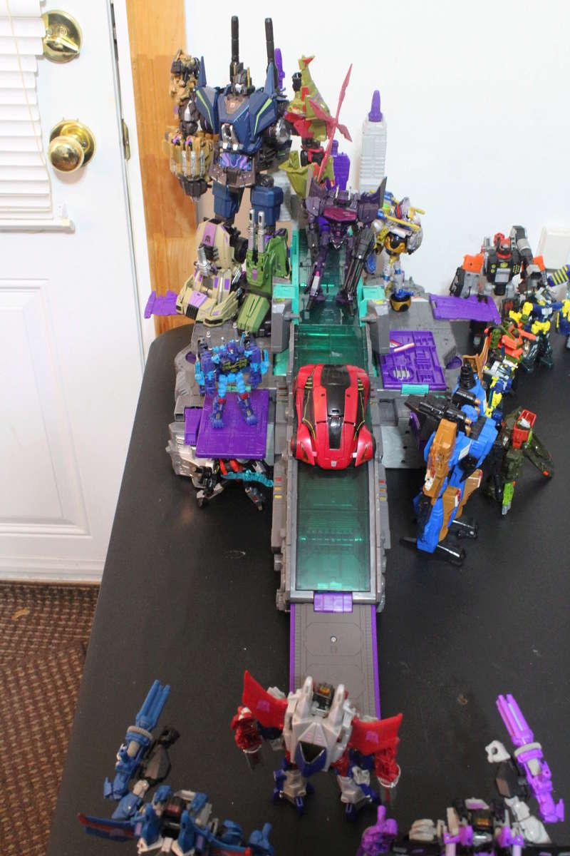 Guerres Transformers! Montrez-moi vos batailles et guerres épiques en photo ici. - Page 7 Img_1214