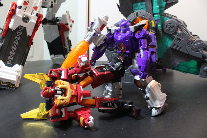 Guerres Transformers! Montrez-moi vos batailles et guerres épiques en photo ici. - Page 7 Img_6022