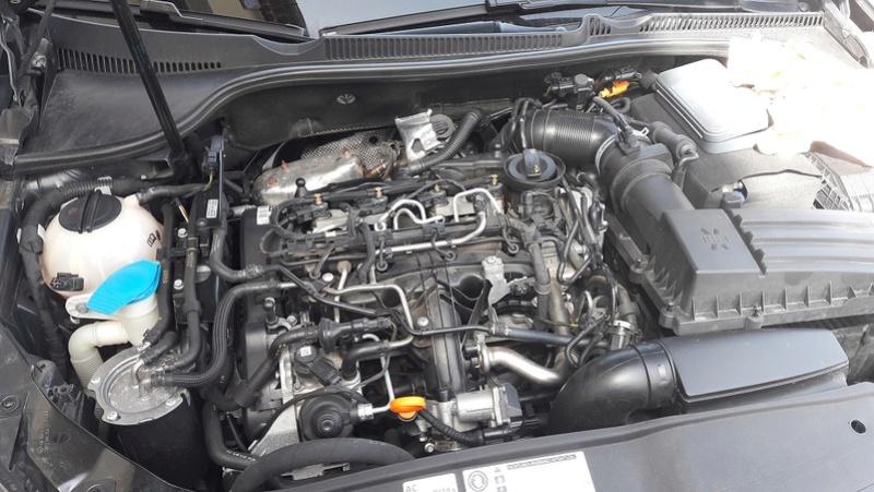 "Golf 6 GTD 5 portes deep black pearl bvm6 nov-2011 Vancouver 18"" - Page 2 Moteur11"