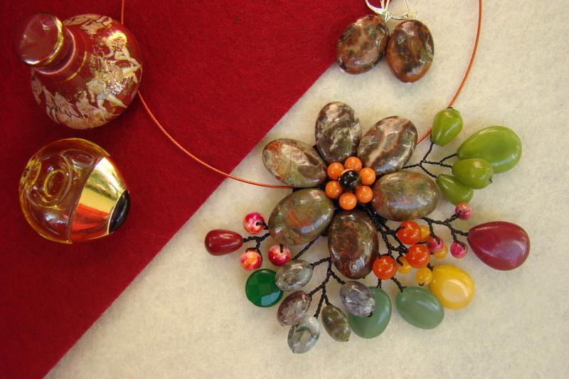 """""""Flori de piatră-Bijoux"""" albumul II-bijuterii artizanale marca Didina Sava - Pagina 11 Colier20"""