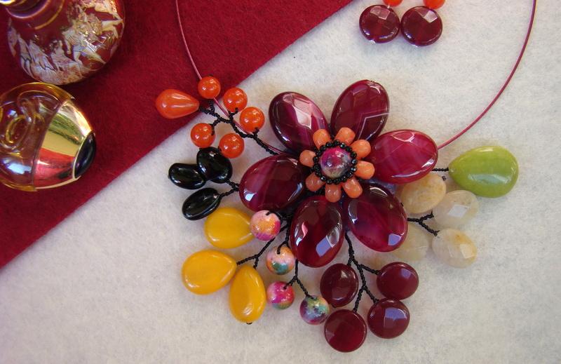 """""""Flori de piatră-Bijoux"""" albumul II-bijuterii artizanale marca Didina Sava - Pagina 11 Colier23"""