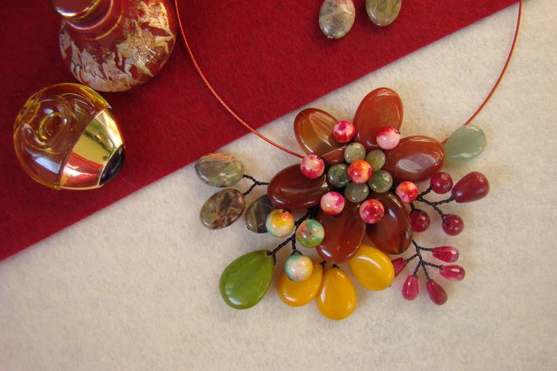 """""""Flori de piatră-Bijoux"""" albumul II-bijuterii artizanale marca Didina Sava - Pagina 11 Colier25"""