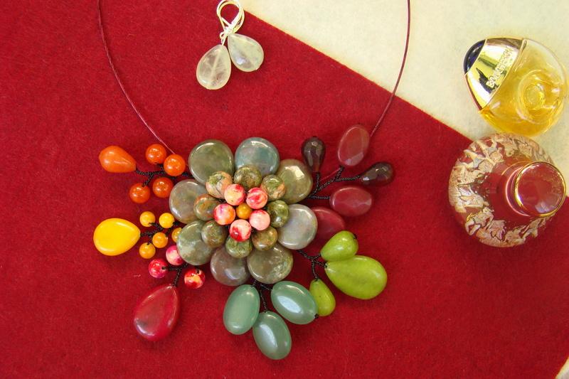 """""""Flori de piatră-Bijoux"""" albumul II-bijuterii artizanale marca Didina Sava - Pagina 11 Colier28"""