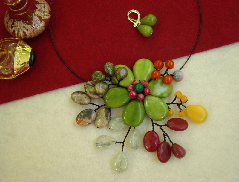 """""""Flori de piatră-Bijoux"""" albumul II-bijuterii artizanale marca Didina Sava - Pagina 11 Colier30"""