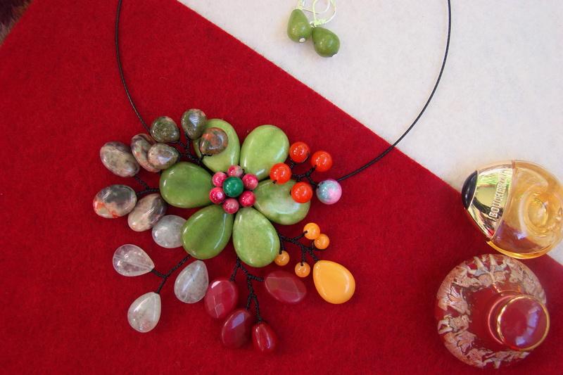 """""""Flori de piatră-Bijoux"""" albumul II-bijuterii artizanale marca Didina Sava - Pagina 11 Colier31"""