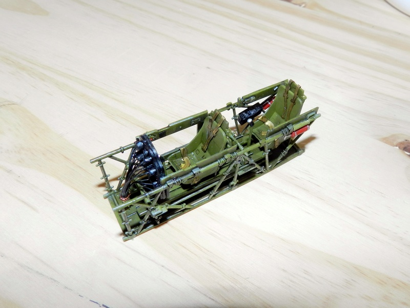 "Texan T-6 TA-349 ""Dazzlin' Deb"" - 1/32 [Terminé] Dscn0147"